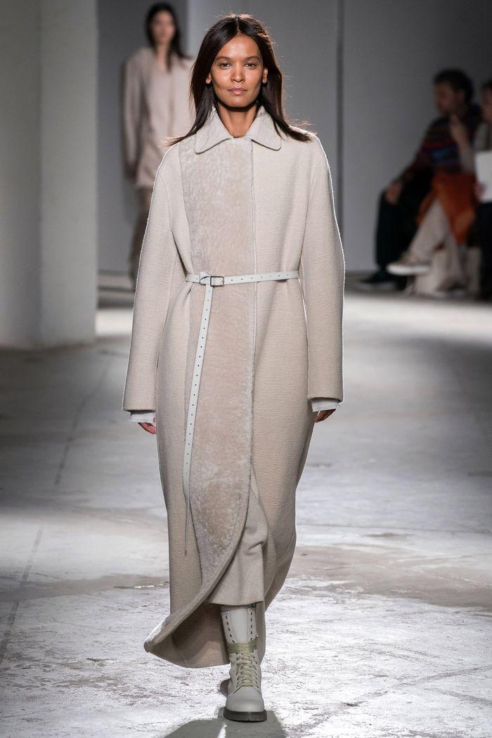 Модные цвета пальто. Agnona