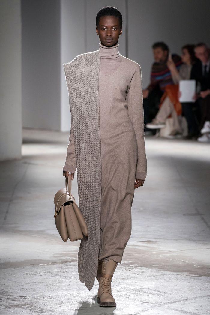 Модная одежда осень-зима 2019-2020, коллекция Agnona
