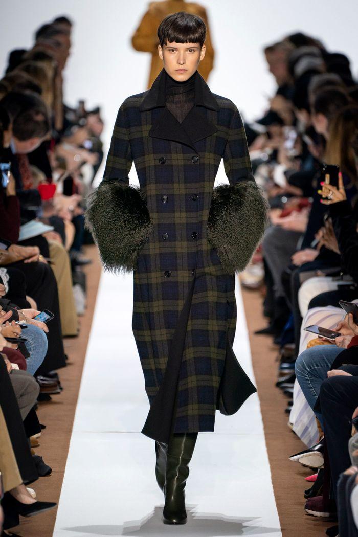 Модное пальто в клетку осень-зима 2019-2020 из коллекции Akris
