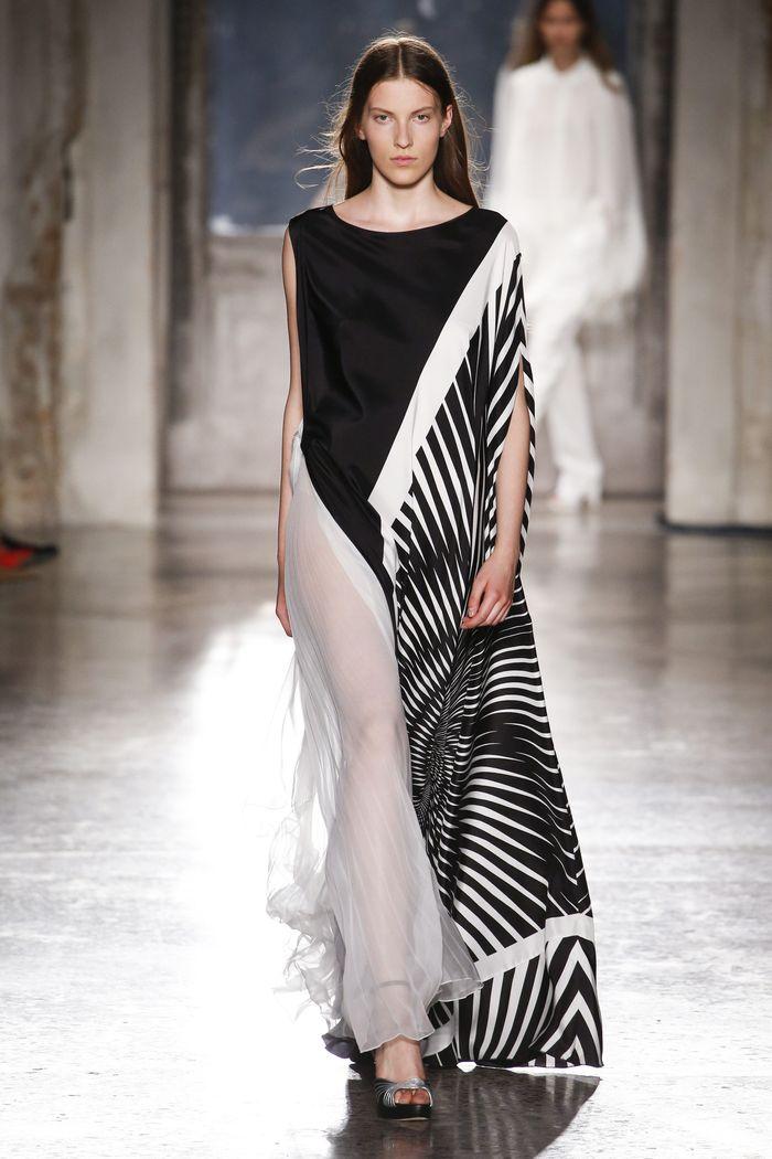 Черно-белое платье с геометрическим принтом Alberta Ferretti