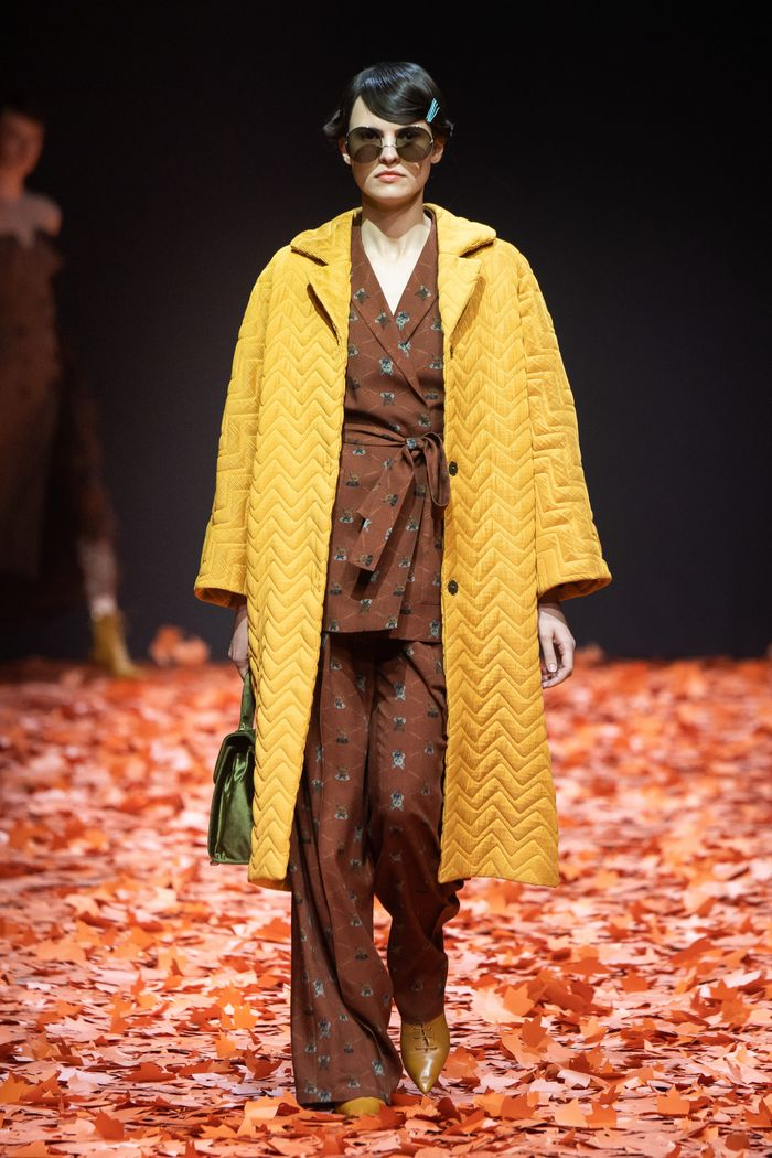 Модное стеганное пальто осень-зима 2019-2020 из коллекции Alena Akhmadullina
