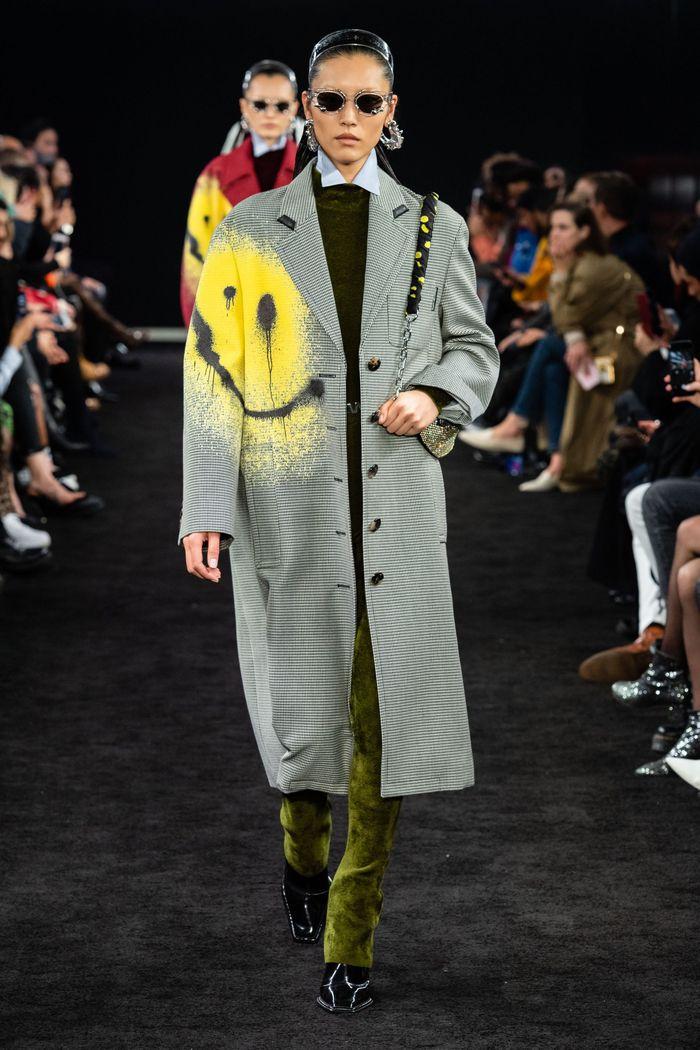 Модное пальто с принтом осень-зима 2019-2020 из коллекции Alexander Wang