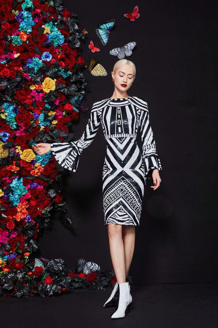 Черно-белое платье с геометрическим принтом Alice Olivia