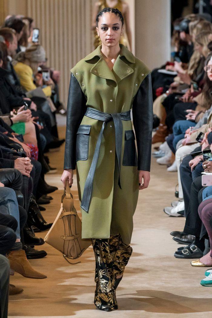 Модное пальто милитари осень-зима 2019-2020 из коллекции Altuzarra