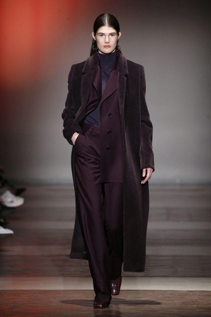 Модное длинное пальто осень-зима 2019-2020 из коллекции Angel Schlesser