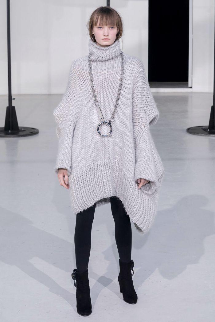 Модное вязаное платье осень-зима Anrealage