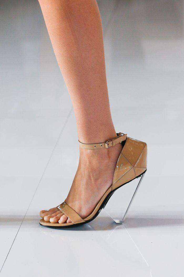 Модный цвет обуви лето 2019. Коллекция Balmain