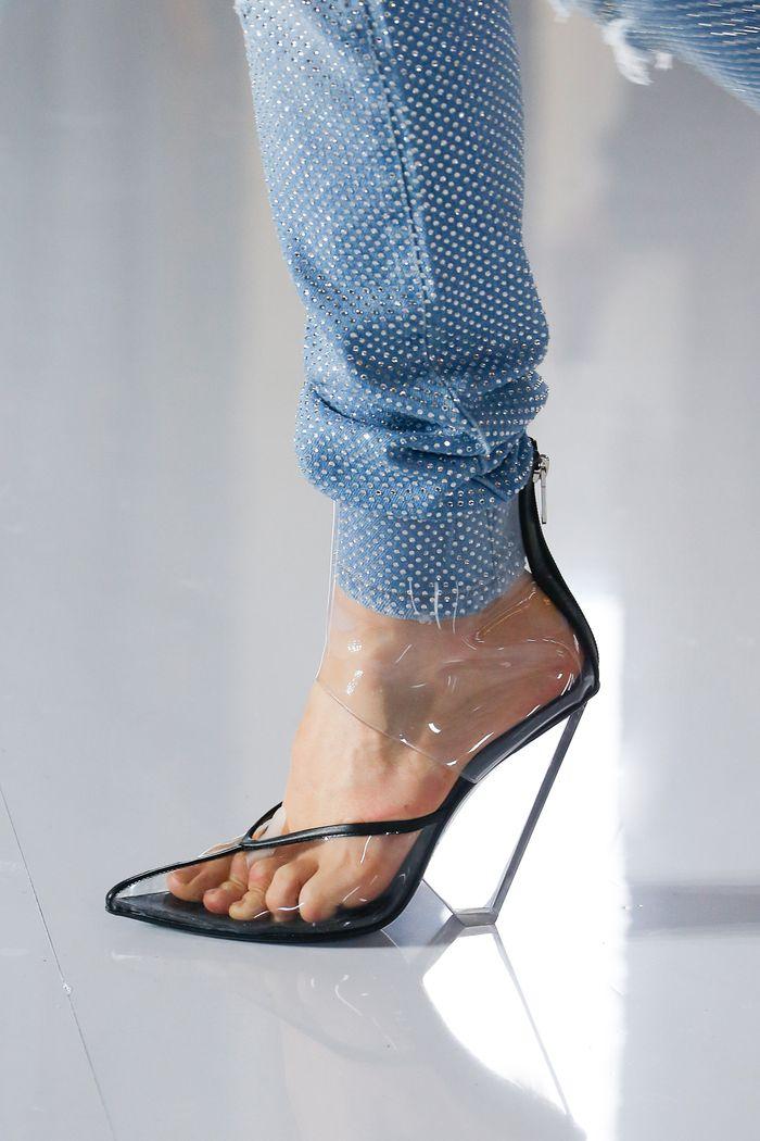 Модный цвет обуви. Коллекция Balmain