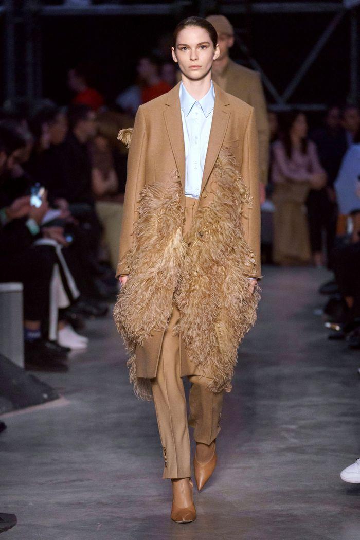 Модные цвета пальто. Burberry