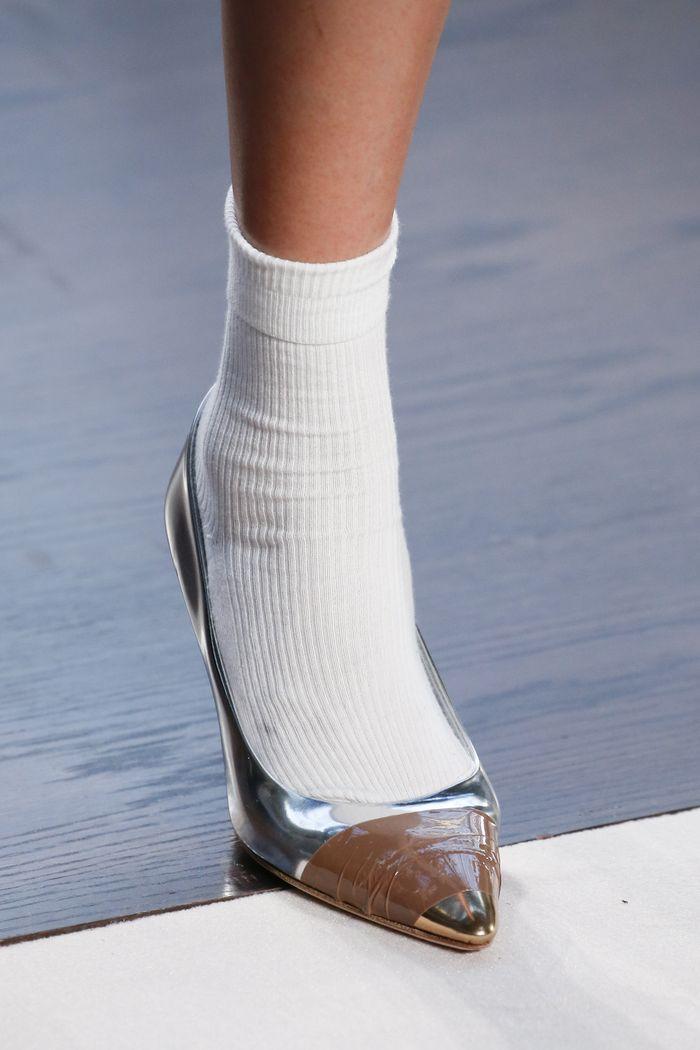 Модный цвет обуви. Коллекция Burberry