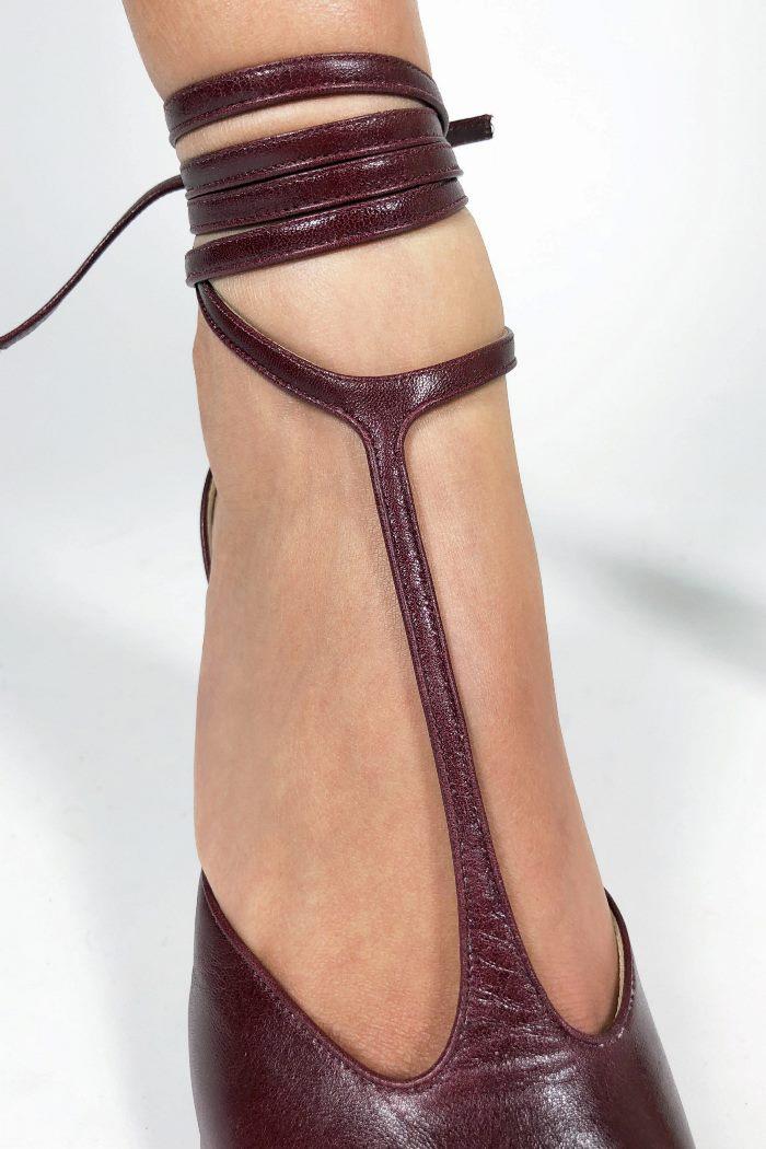 Обувь к бордовому платью. Коллекция Celine