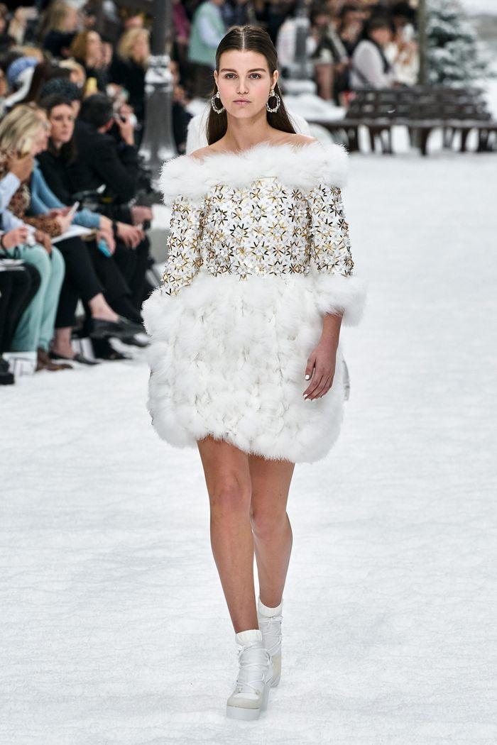 Модное платье осень-зима из коллекции Chanel