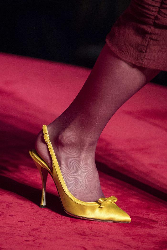 Обувь к бордовому платью. Коллекция Dolce & Gabbana