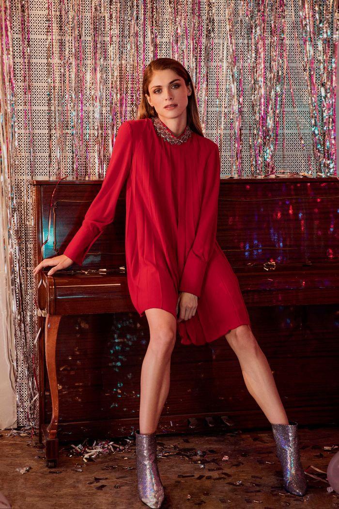 Модное короткое бордовое платье Dondup