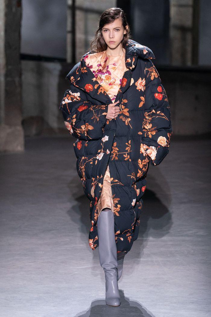 Модный пуховик осень-зима 2019-2020 Dries Van Noten