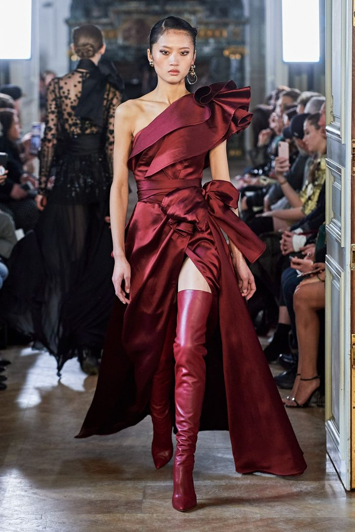 Вечернее бордовое платье Elie Saab