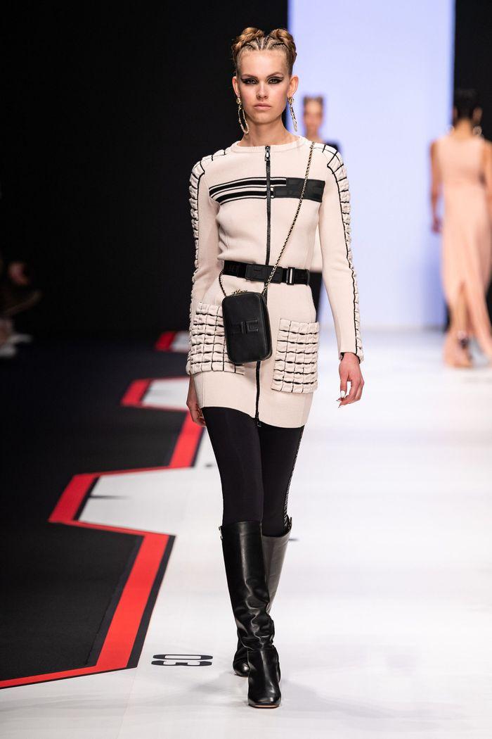 Модное платье в спортивном стиле Elisabetta Franchi