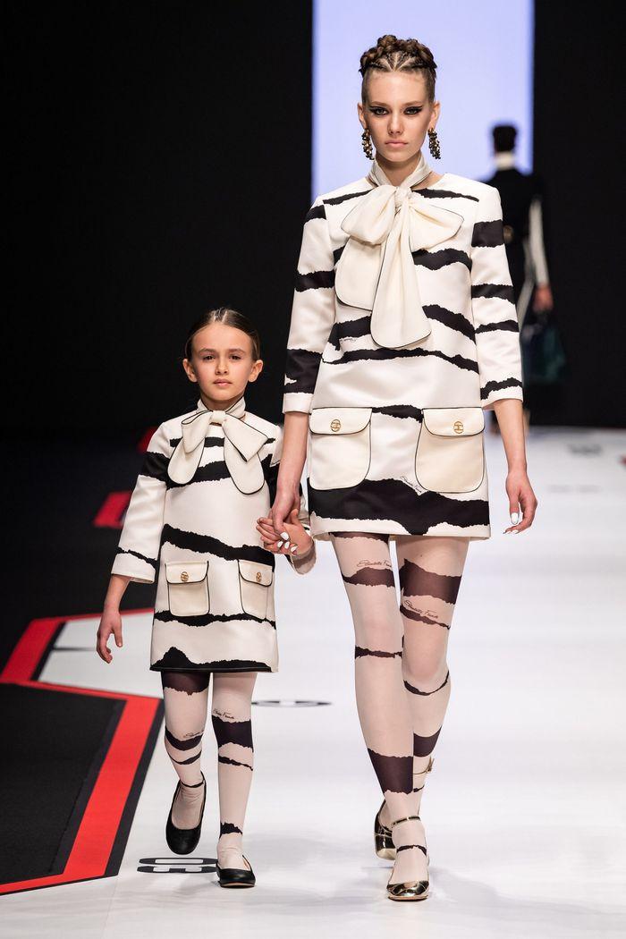 Модное черно-белое платье Elisabetta Franchi