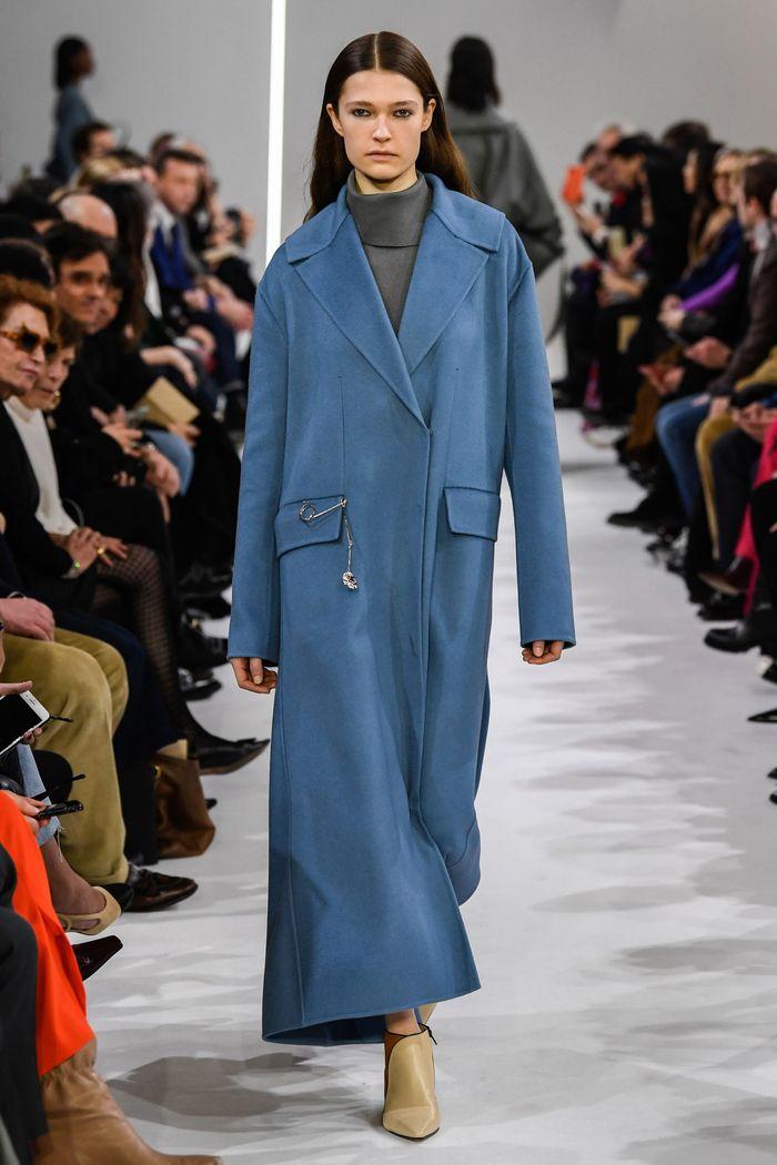 Модное длинное пальто осень-зима 2019-2020 из коллекции Giada
