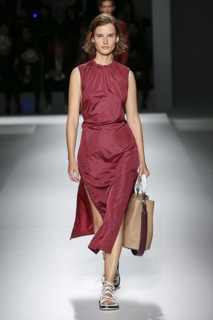 Бордовое спортивное платье Hugo Boss