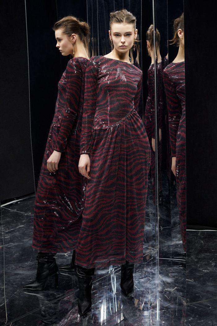 Модное бордовое платье Just Cavalli