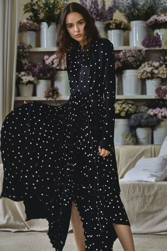 Черно-белое платье в горошек Khaite