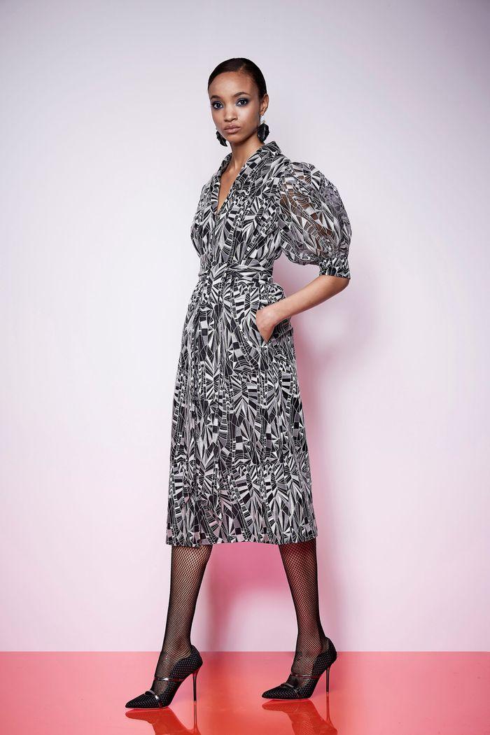 Модное черно-белое платье Kimora Lee Simmons