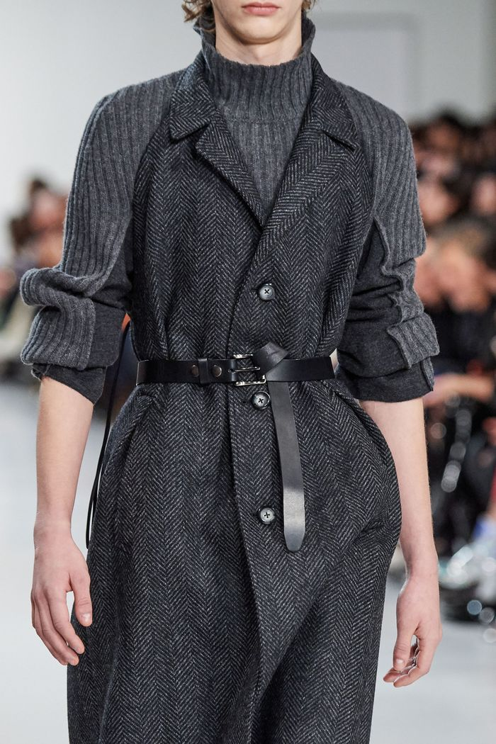 Модное пальто с поясом осень-зима 2019-2020 из коллекции Maison Margiela