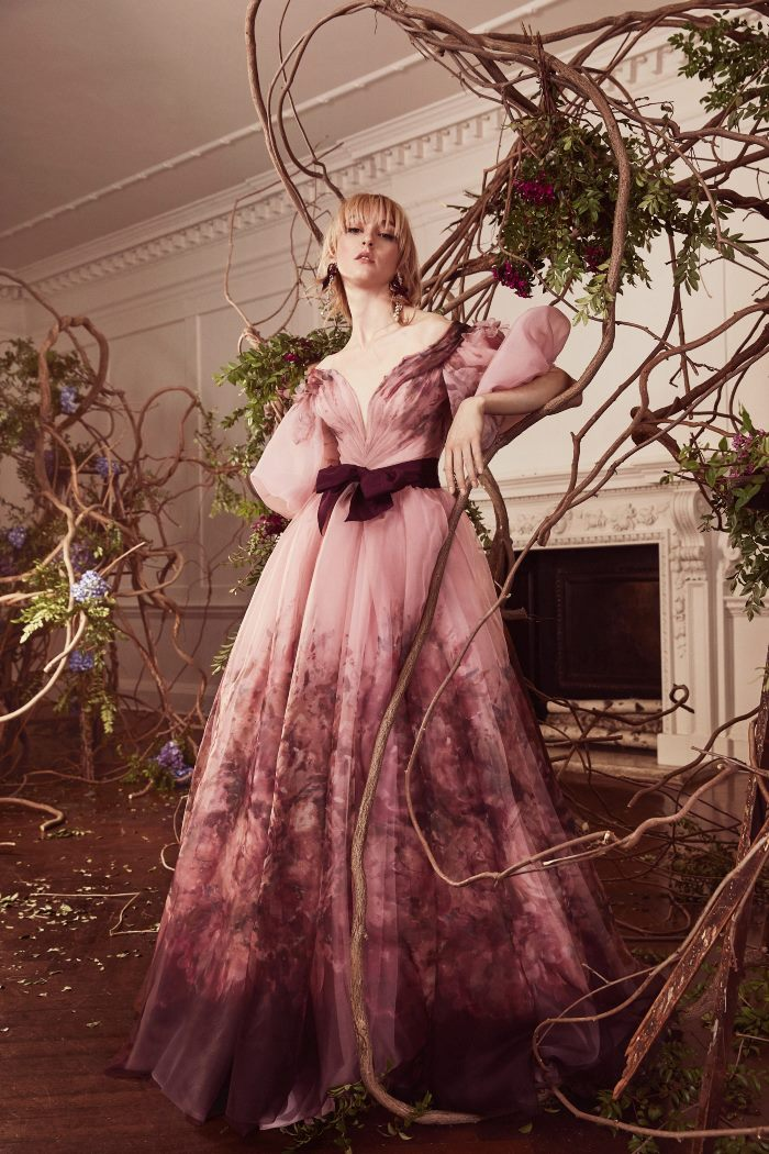 Бордовое свадебное платье Marchesa