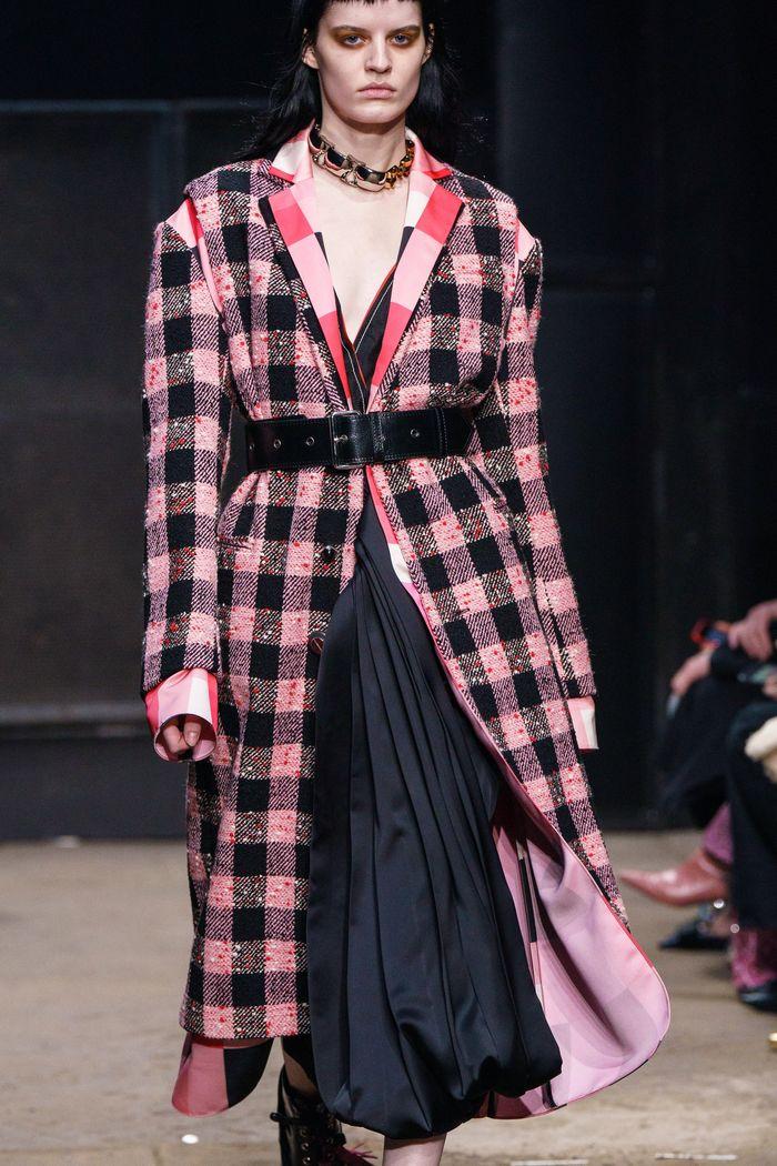 Модное пальто с поясом осень-зима 2019-2020 из коллекции Marni
