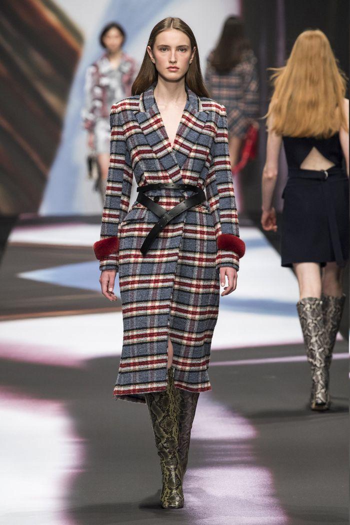 Модное пальто с поясом осень-зима 2019-2020 из коллекции Maryling
