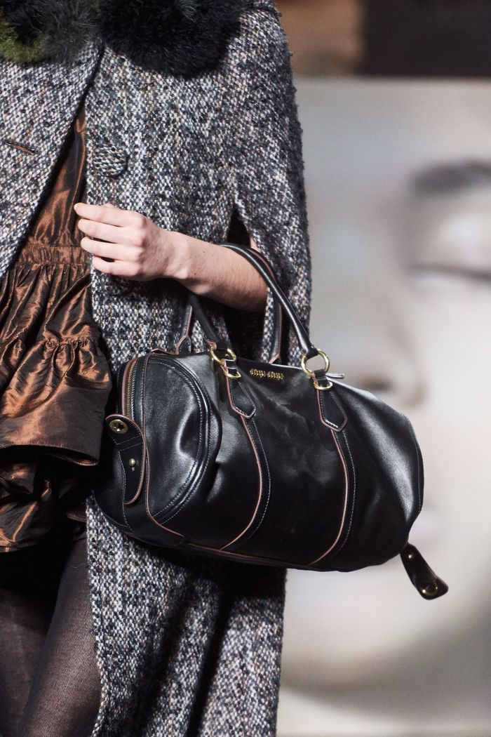 Модное пальто кейп осень-зима 2019-2020 из коллекции Miu Miu