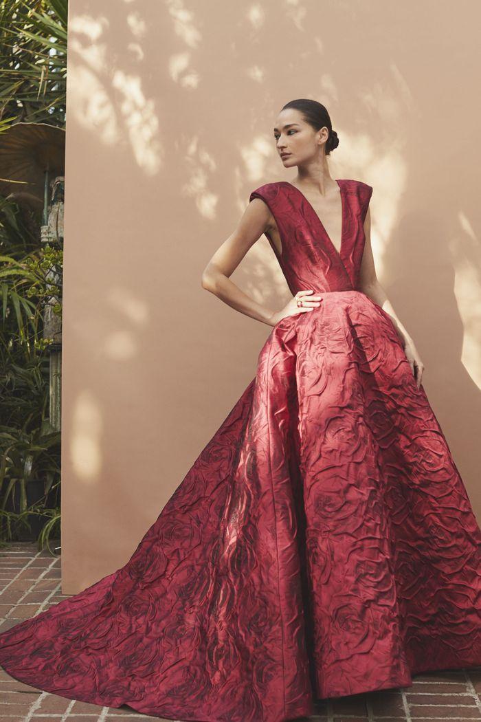 Бордовое свадебное платье Monique Lhuillier