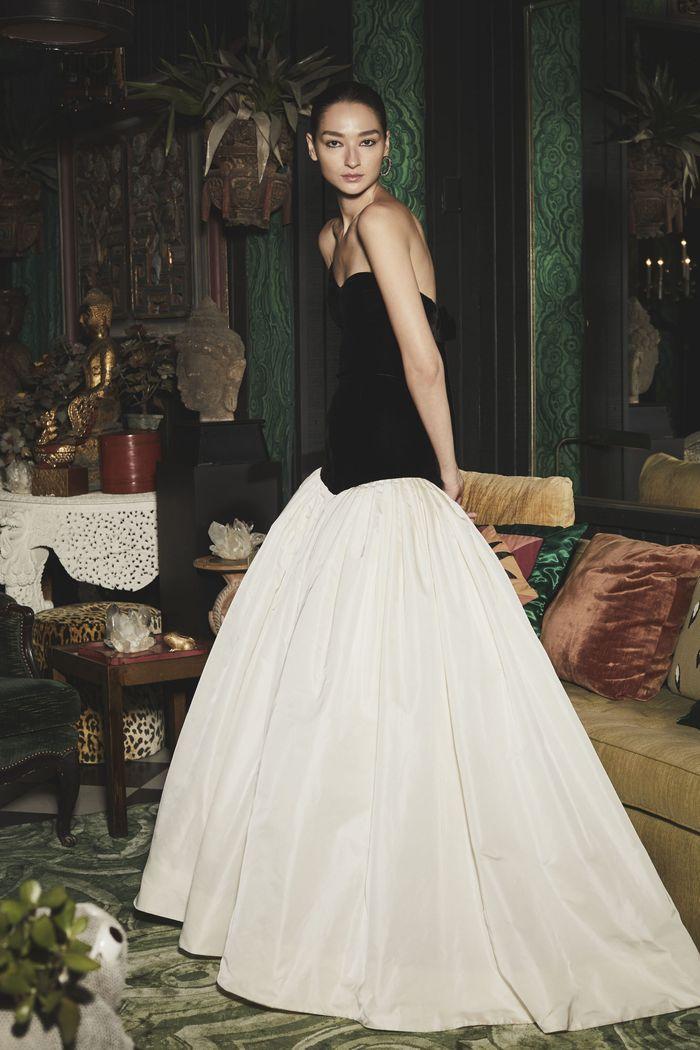 Черно-белое пышное платье Monique Lhuillier
