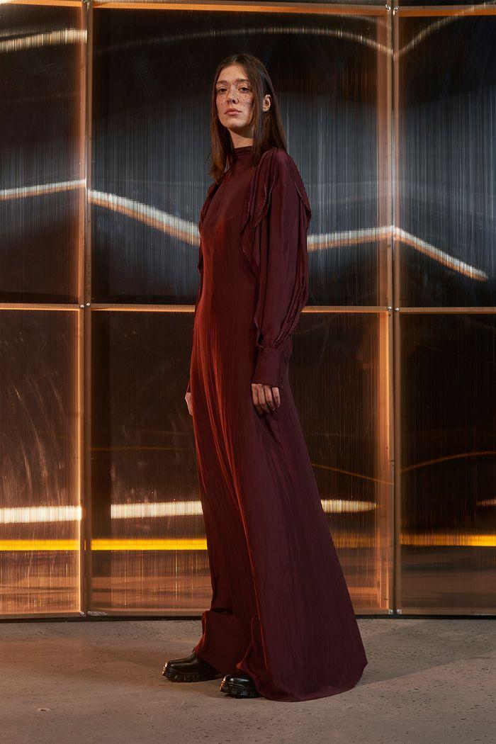 Бордовое длинное платье с рукавами Moon Choi