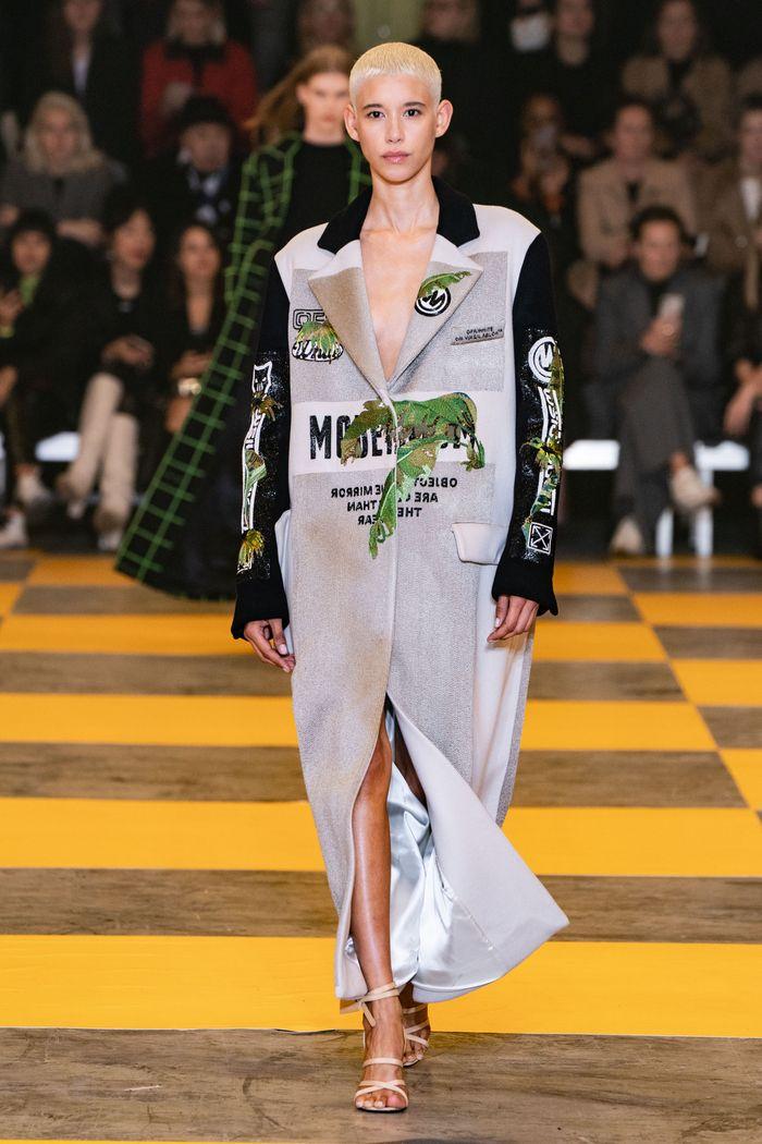 Модное пальто осень-зима 2019-2020 из коллекции Off-White