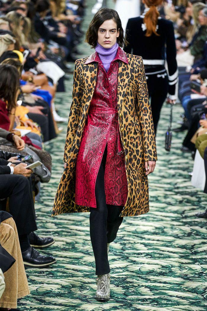 Модное леопардовое пальто осень-зима 2019-2020 из коллекции Paco Rabanne