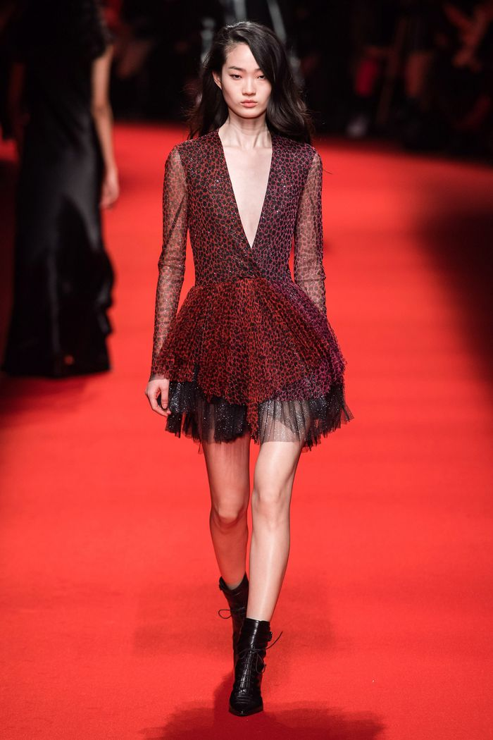 Модное бордовое платье Philosophy di Lorenzo Serafini