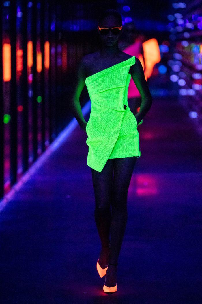 Модная одежда осень-зима 2019-2020, коллекция Saint Laurent