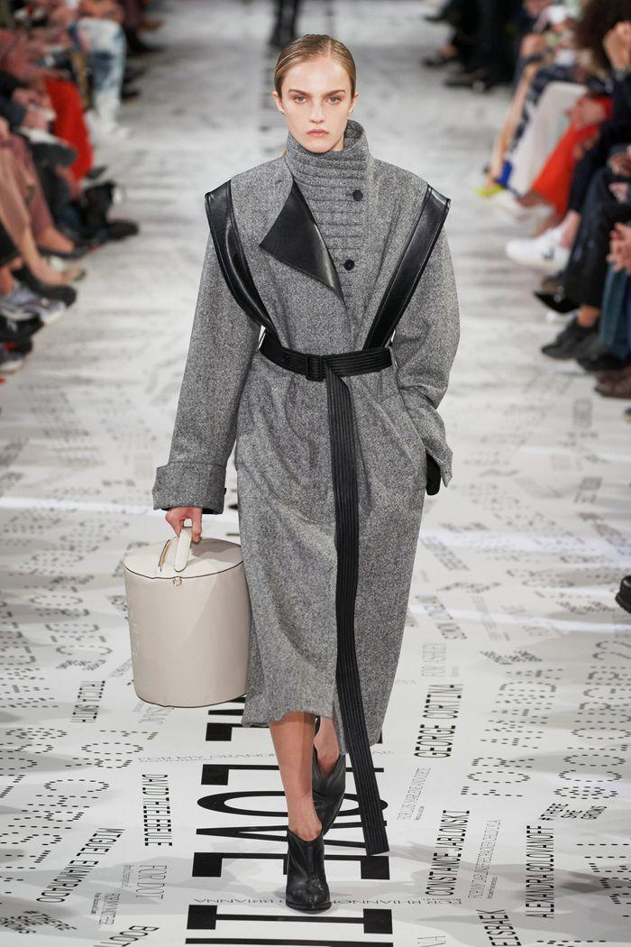 Модное пальто с поясом осень-зима 2019-2020 из коллекции Stella McCartney