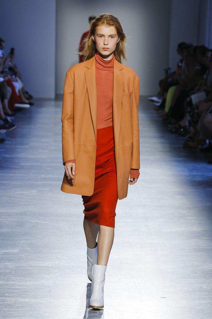 С чем носить красную юбку. Коллекция Agnona