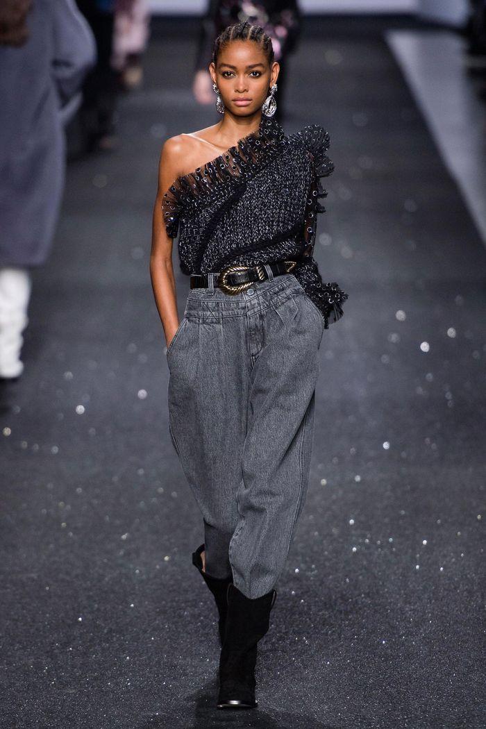 Модные джинсы осень-зима из коллекции Alberta Ferretti