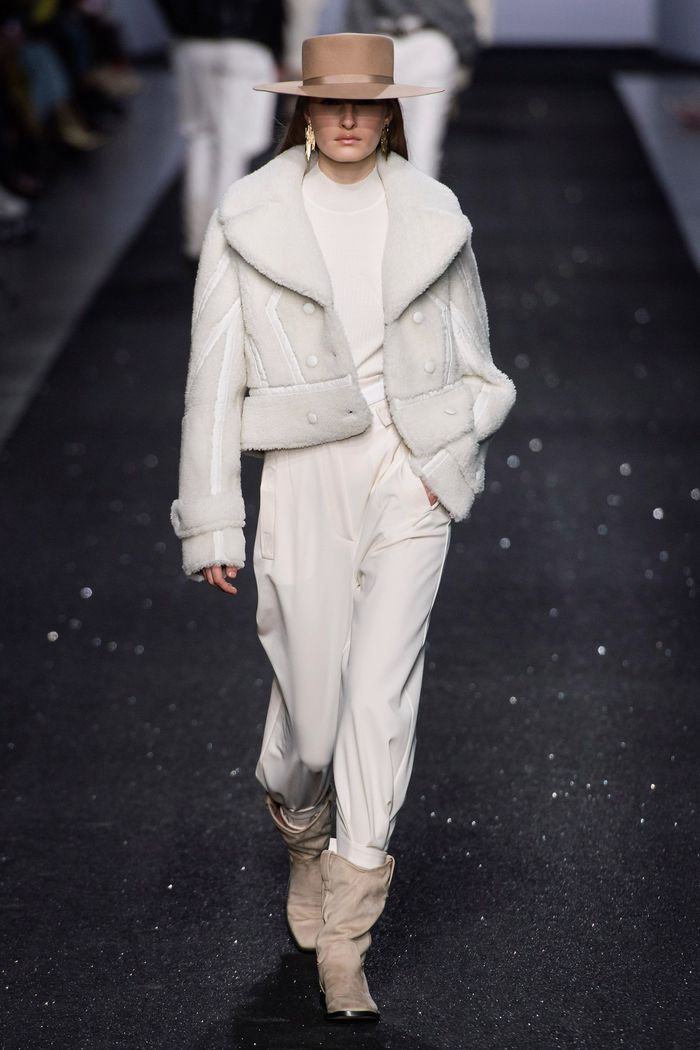 Модные куртки-дубленки Alberta Ferretti