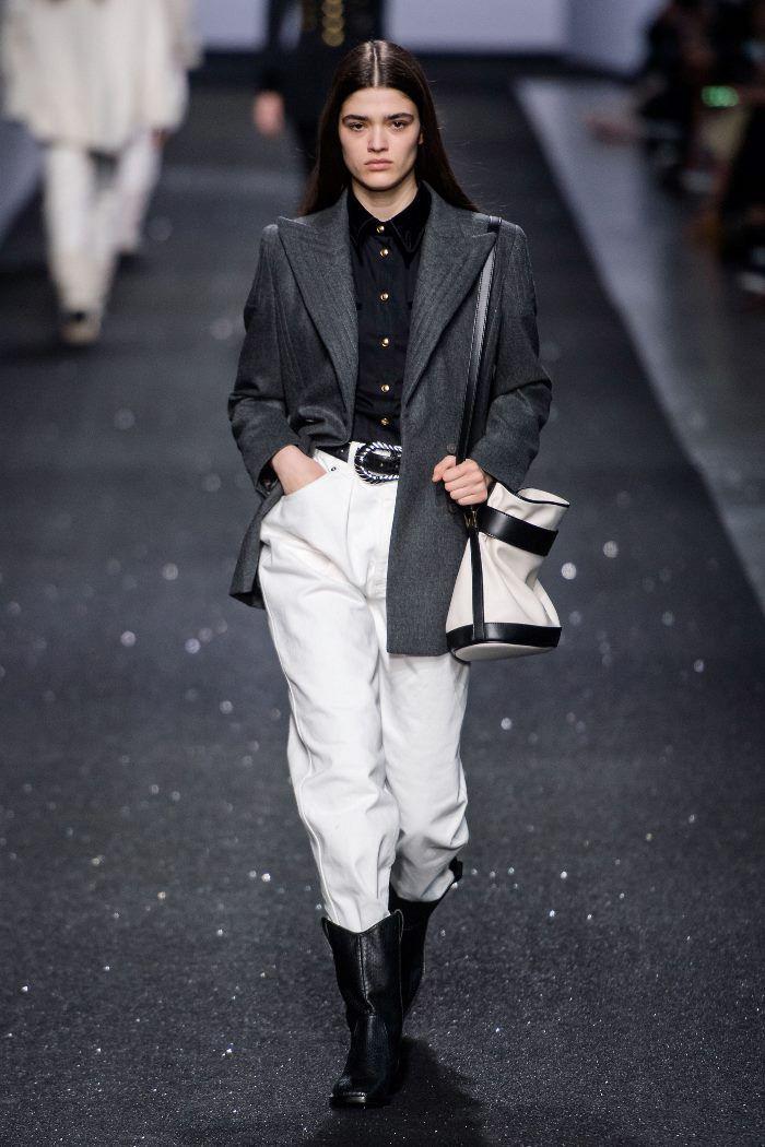 Модные брюки с завышенной талией осень-зима 2019-2020 из новой коллекции Alberta Ferretti