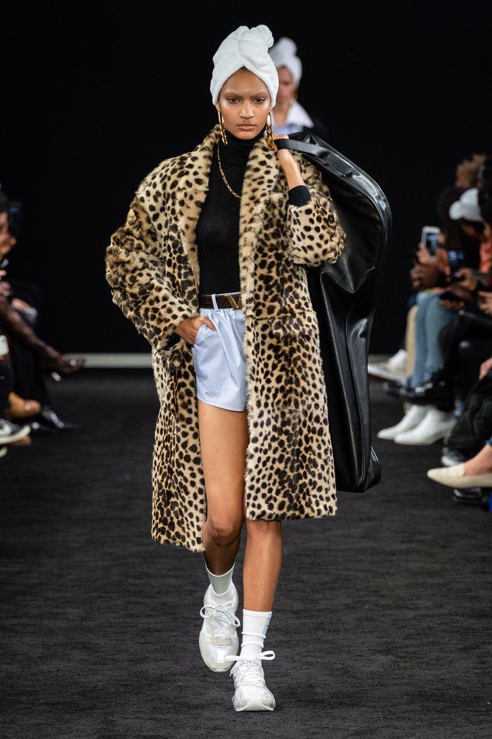 Модные шубы с леопардовым принтом Alexander Wang