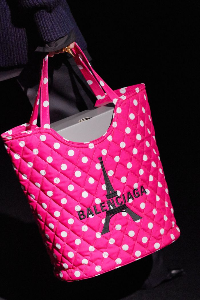 Модная сумка-шоппер Balenciaga