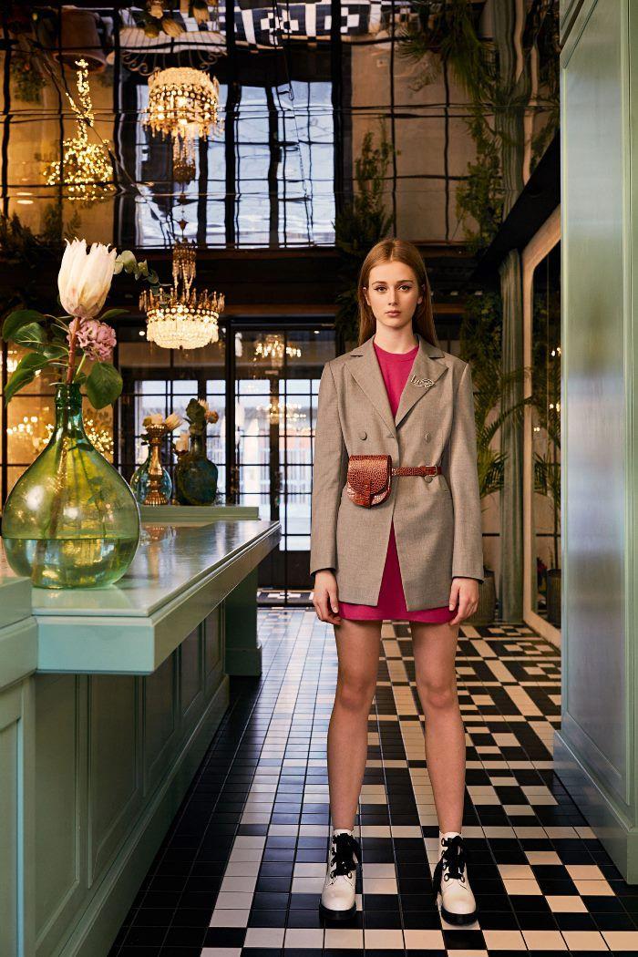 Модный пиджак с поясной сумкой из коллекции осень-зима Be Blumarine