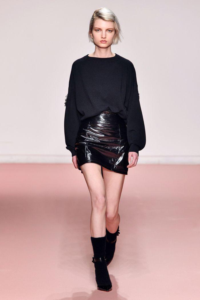 Что носить с короткой черной юбкой. Образ из новой коллекции Blumarine