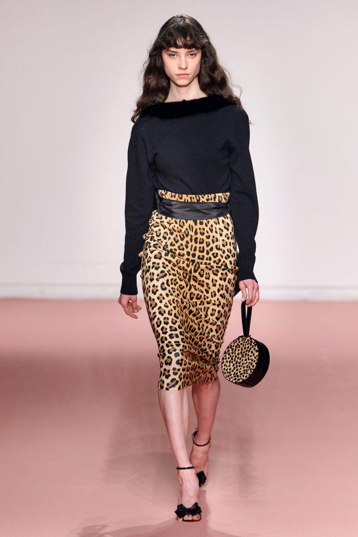 Модная юбка с анималистичным принтом осень-зима 2019-2020 Blumarine