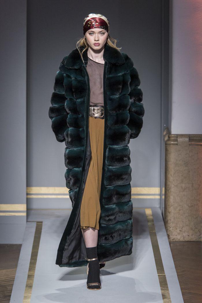 Модные шубы с поперечным кроем Braschi